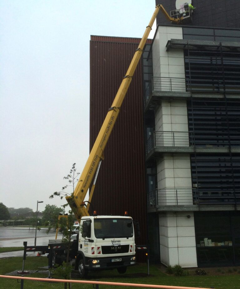 High Building Access - 33M Ruthmann Truck Mounted Platform
