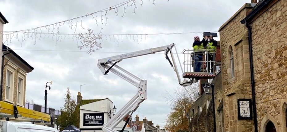 Xmas Lights - 21m CTE Truck Mounted Access Platform