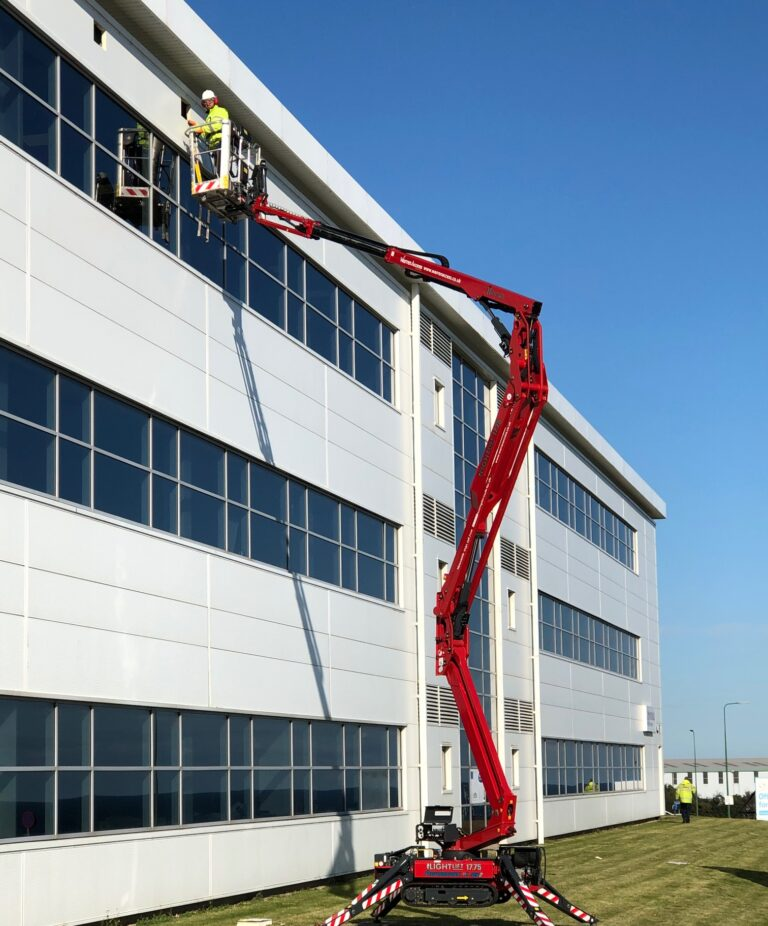 Set up on grass - 17m Hinowa Lightlift 1775 Tracked Access Platform