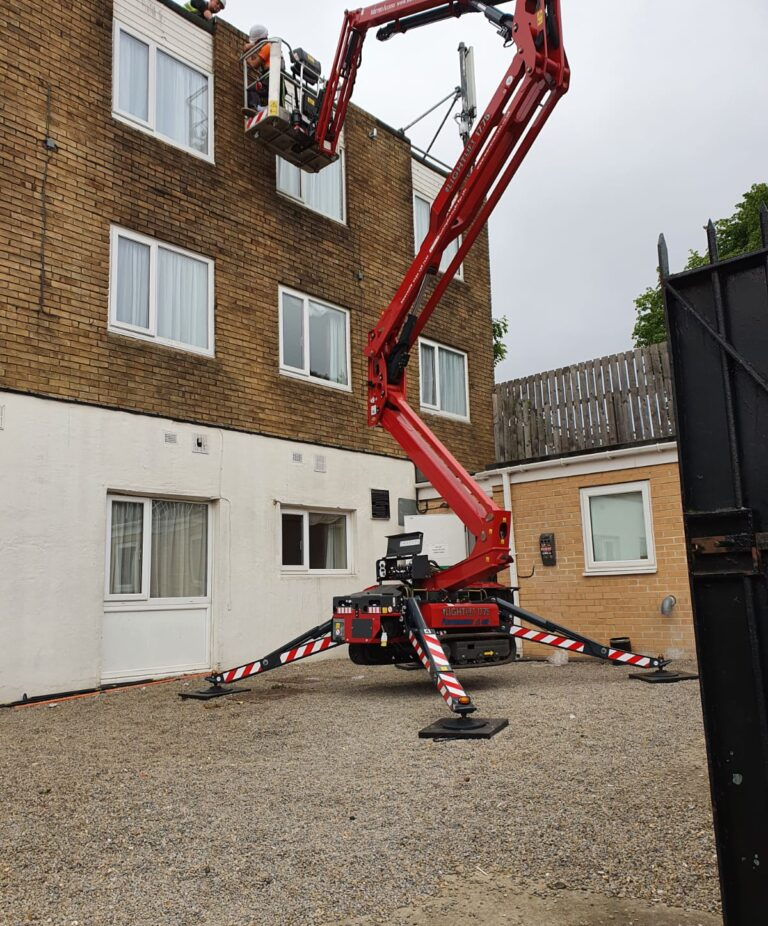 Building maintenance - 17m Hinowa Lightlift 1775 Tracked Boom Lift