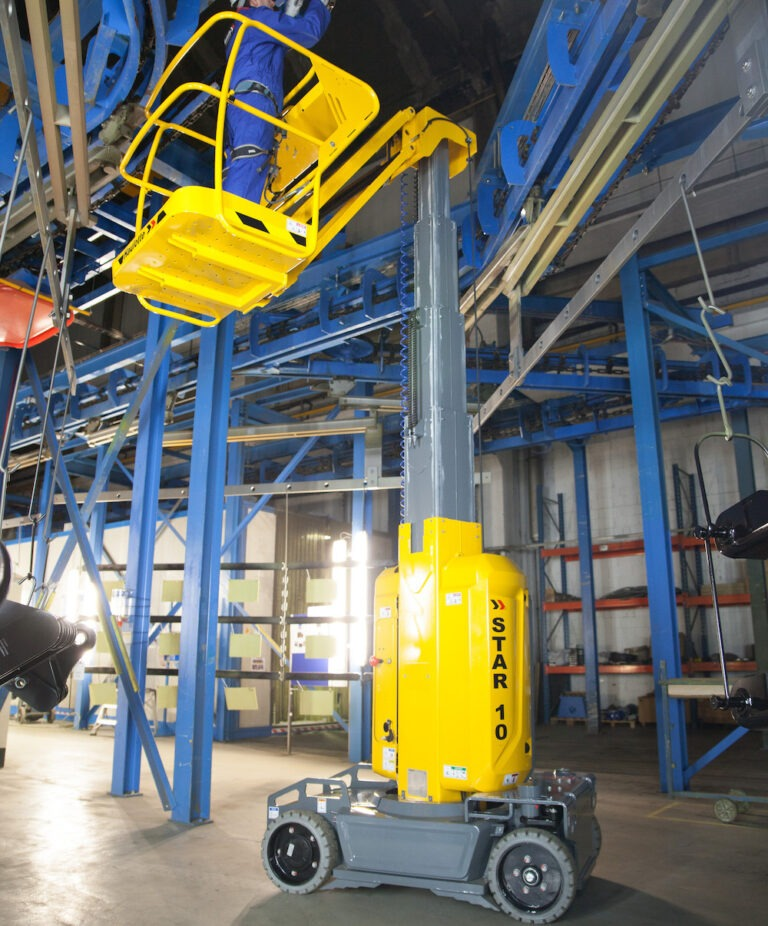 Narrow spaces - Haulotte Star10 - Electric Vertical Boom Lift