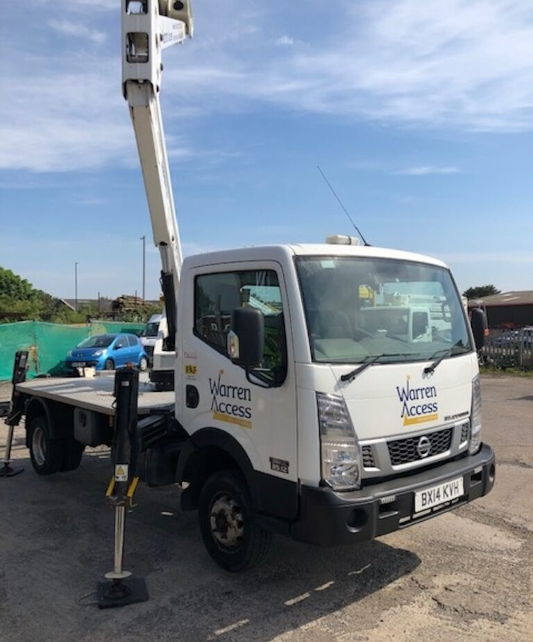 Outriggers - 20M Isoli PNT 205NH Truck Mounted Access Platform