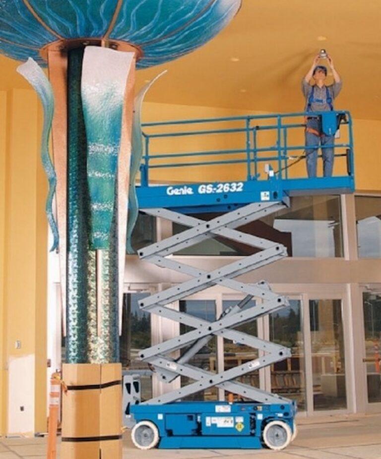 Ceiling - 9.9m Genie 2632 Electric Scissor Lift
