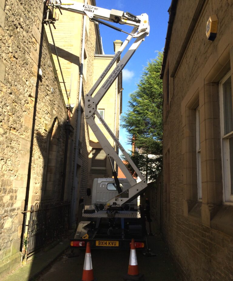 Narrow Street - 23m Isoli Truck Mounted Platform
