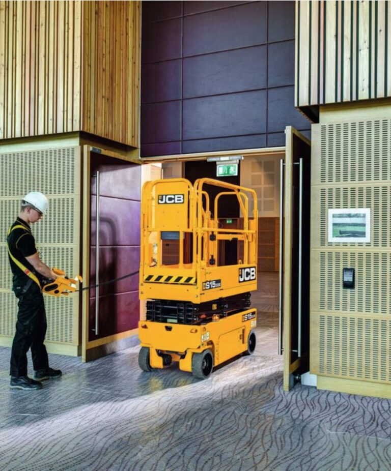 Travelling - JCB S1930E Narrow Electric Scissor Lift