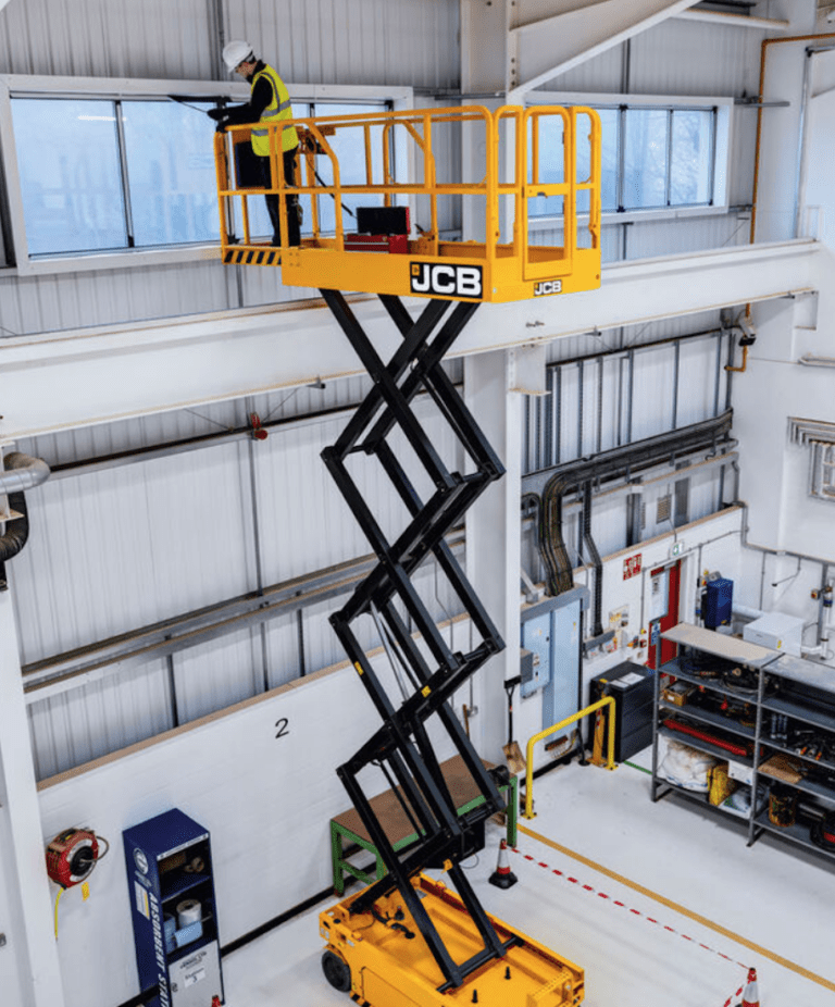 10m JCB 2646 - Electric Scissor Lift