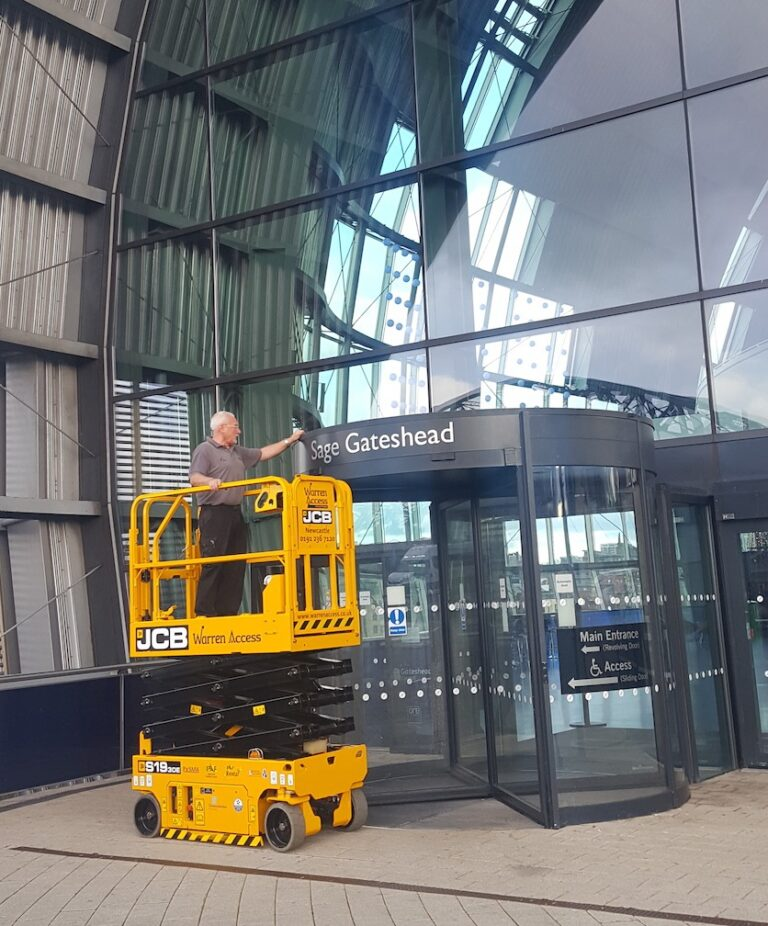 Outdoor - JCB S1930E Electric Scissor Lift