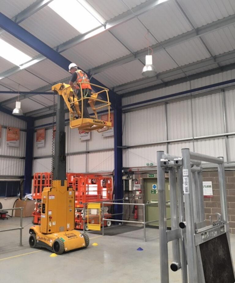 Lighting Maintenance Star10 - Electric Mast Boom Lift