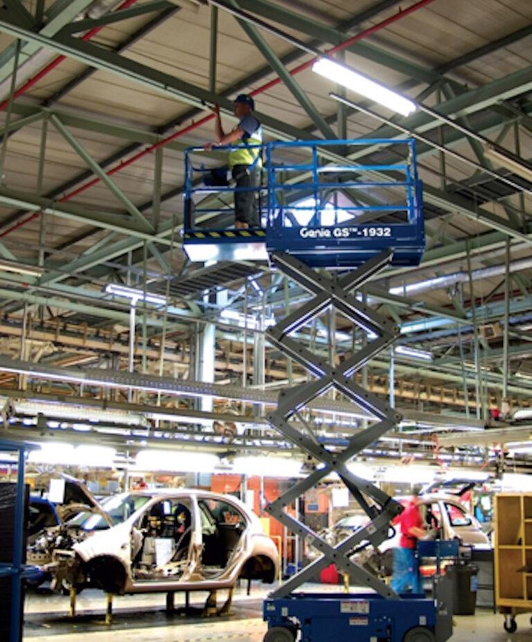 Factory - Genie GS1932 Narrow Electric Scissor Lift