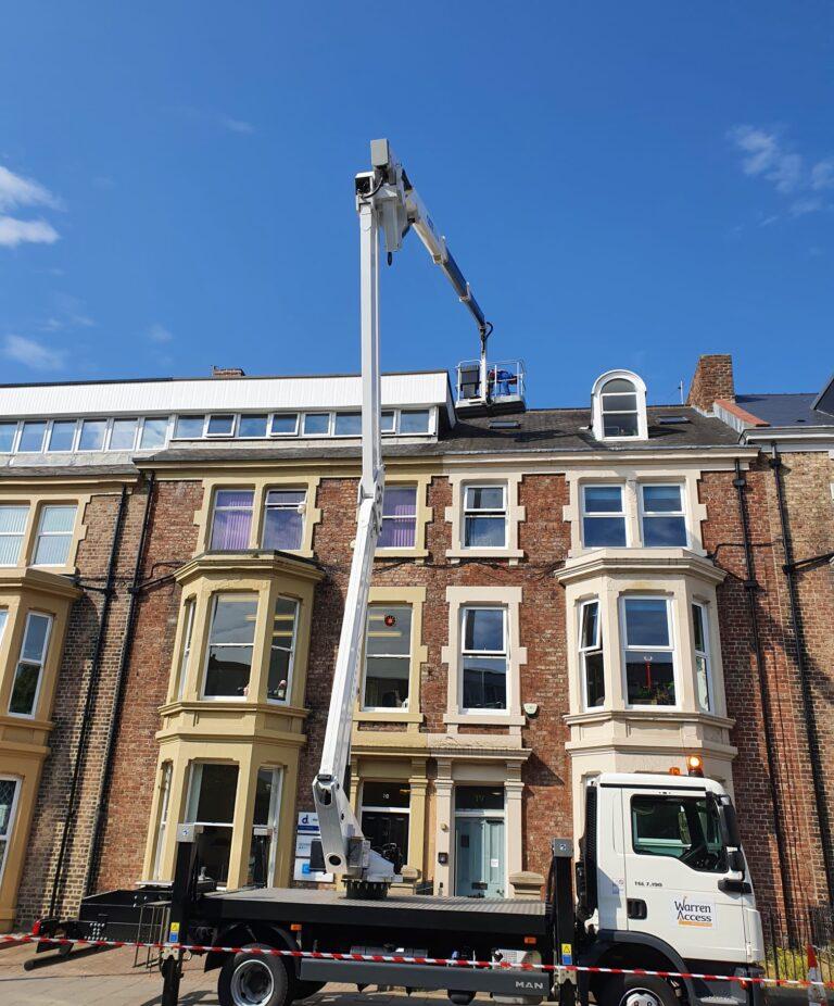CTE ZED 26JH truck mounted lift platform - Roof inspections