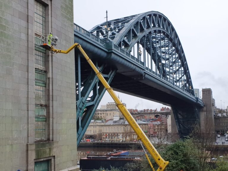 Warren Access Newcastle carry out an inspection of the Tyne Bridge.