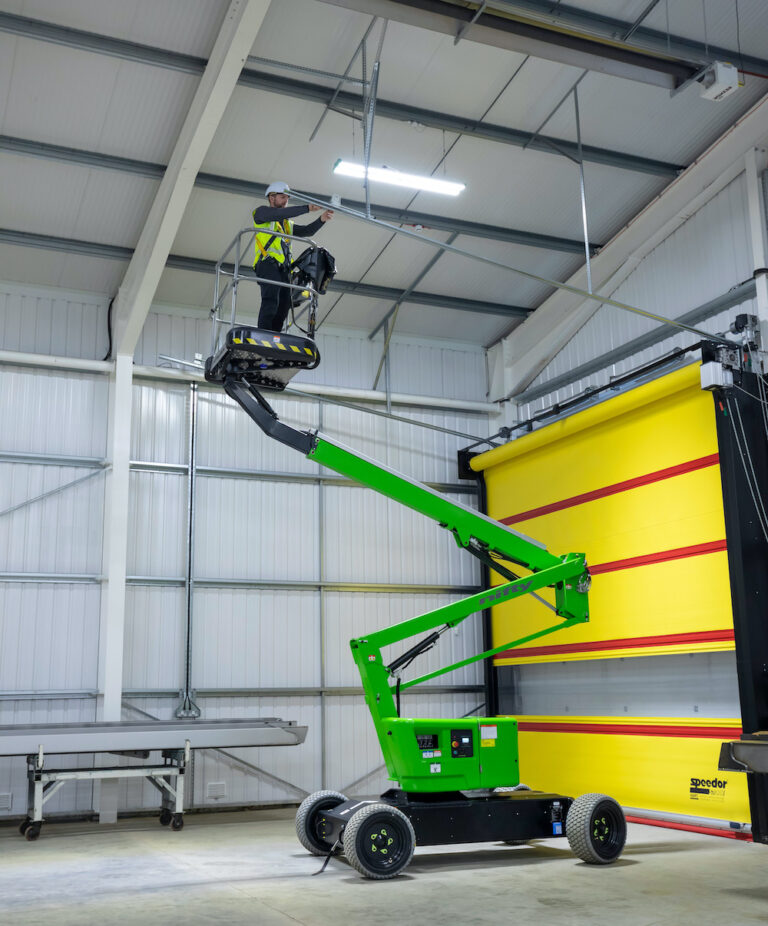 12.1m Niftylift HR12L - Electric Self-Propelled Boom Lift